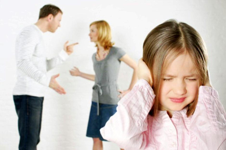 الاطفال ضحية الخلافات الزوجية