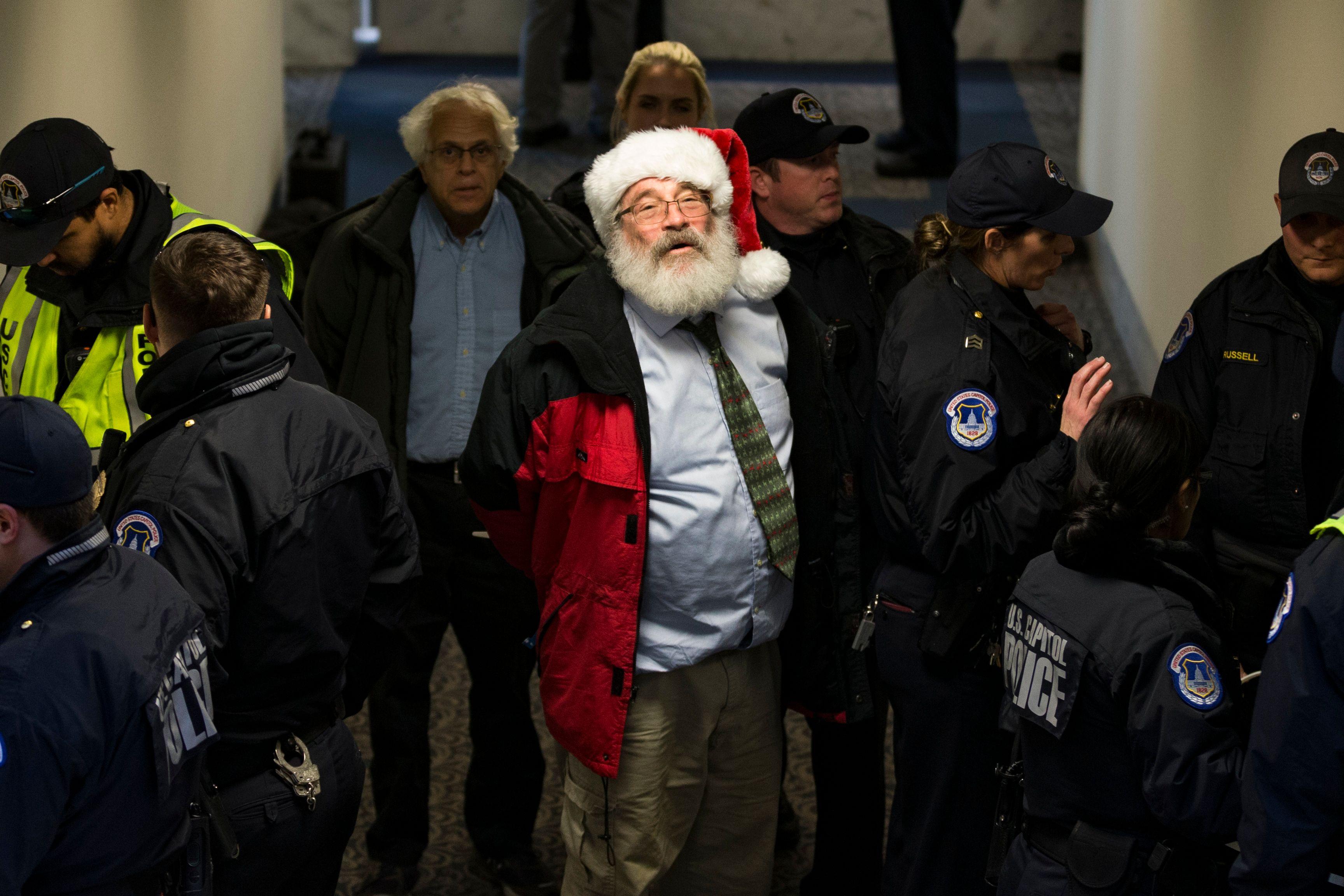 اعتقالات داخل الكونجرس