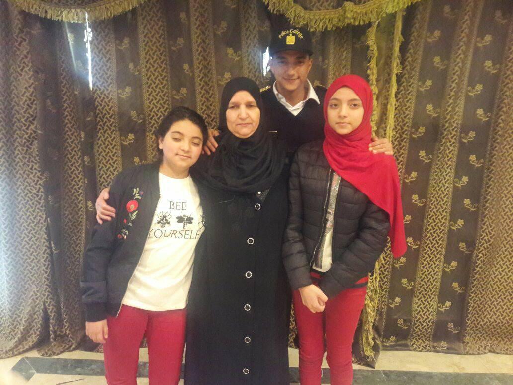 7 بعض من أفراد أسرة الشهيد الرائد محمد عبد اللطيف خفاجى