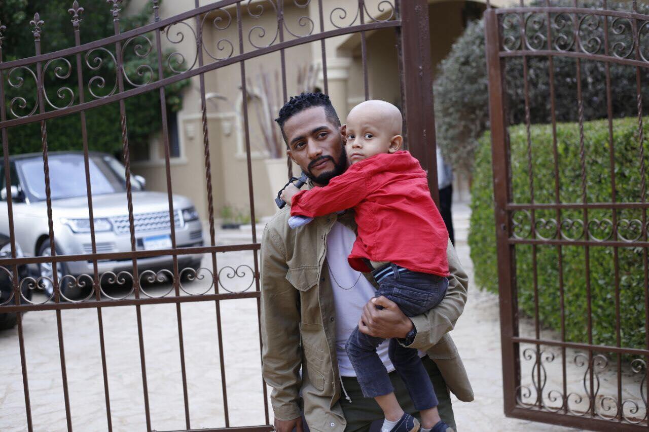 محمد رمضان والطفل سراج