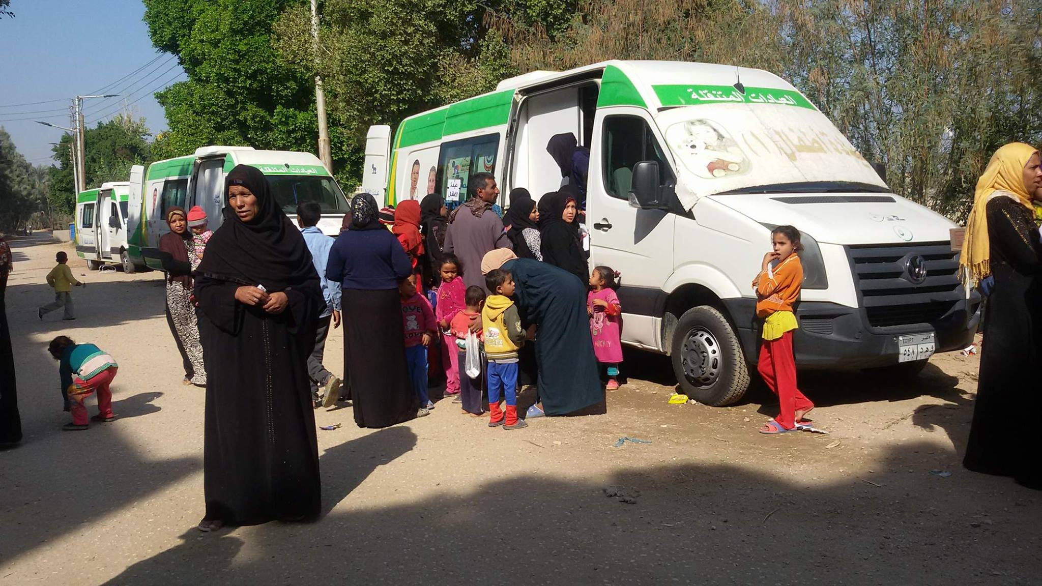 علشان تبنيها بالأقصر تعلن الكشف علي 850 مواطن في قافلة بقرية المدامود (2)