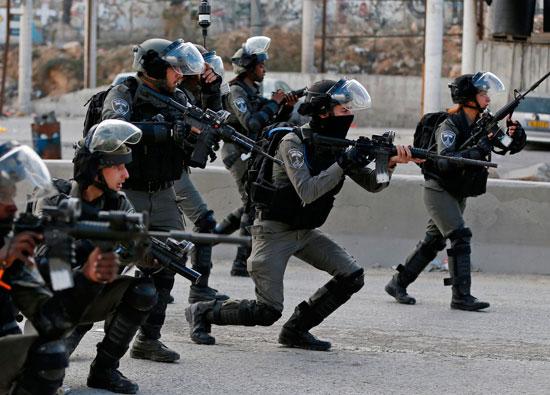 مواجهات عنيفة بين فلسطينيين وقوات الاحتلال