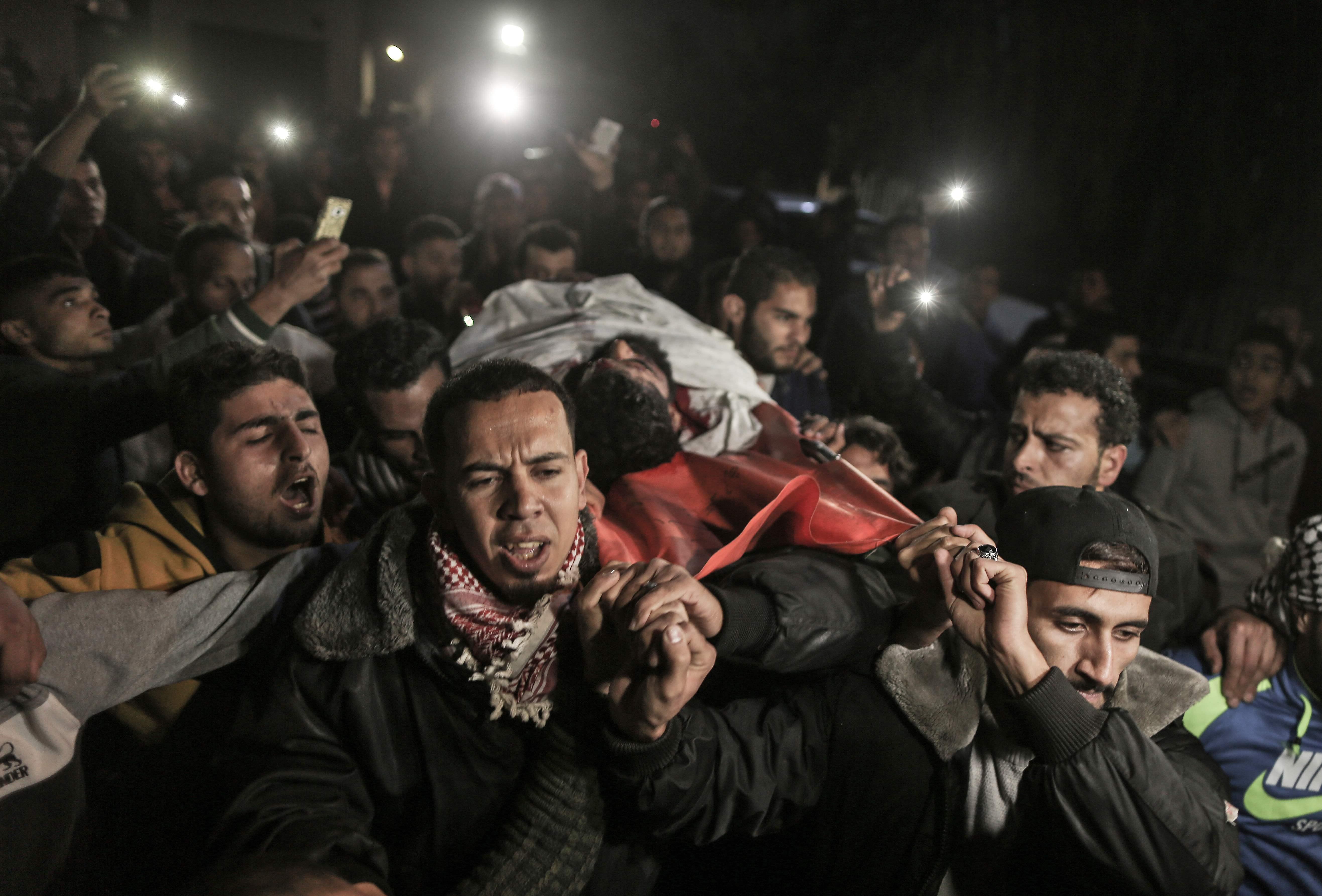 تشييع جثمان الشهيد أبو ثريا إلى مثواه الأخير