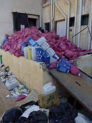 تراكم-النفايات-بأحد-مخازن-المستشفيات