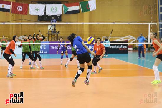 افتتاح البطولة العربية لأندية سيدات الطائرة (40)
