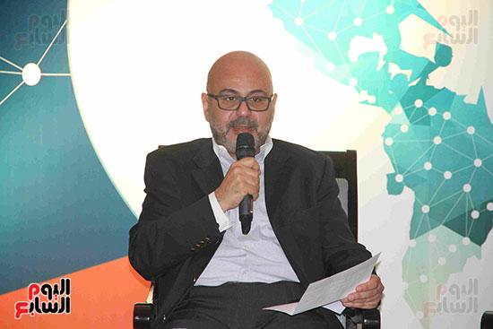 صور مؤتمر العلاقات العامة الجلسة الثانية  (6)