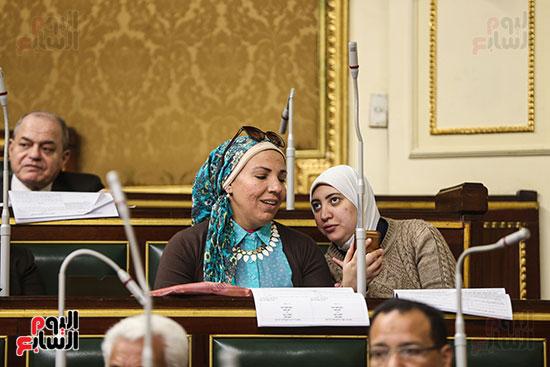 صور الجلسة العامة للبرلمان (16)