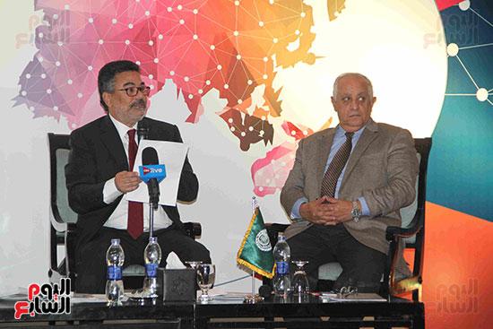صور مؤتمر العلاقات العامة الجلسة الثانية  (2)
