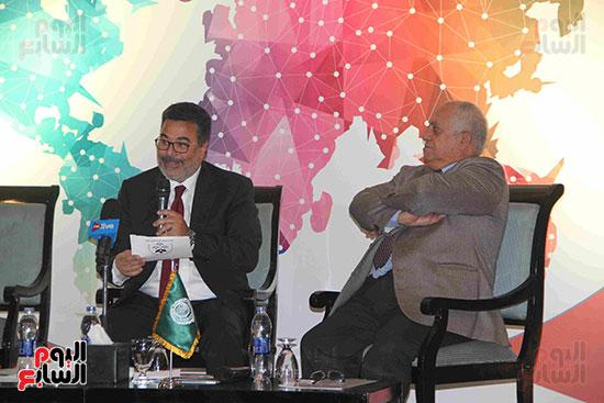 صور مؤتمر العلاقات العامة الجلسة الثانية  (1)