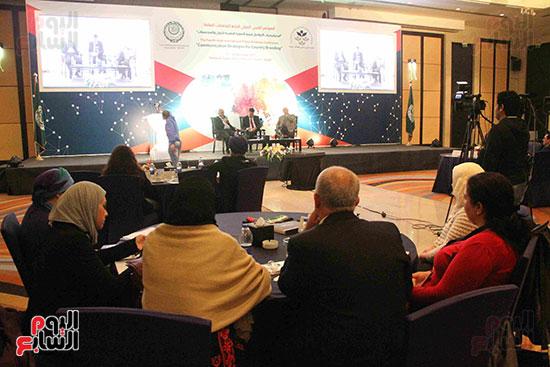 صور مؤتمر العلاقات العامة الجلسة الثانية  (13)