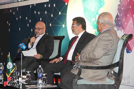 صور مؤتمر العلاقات العامة الجلسة الثانية  (8)