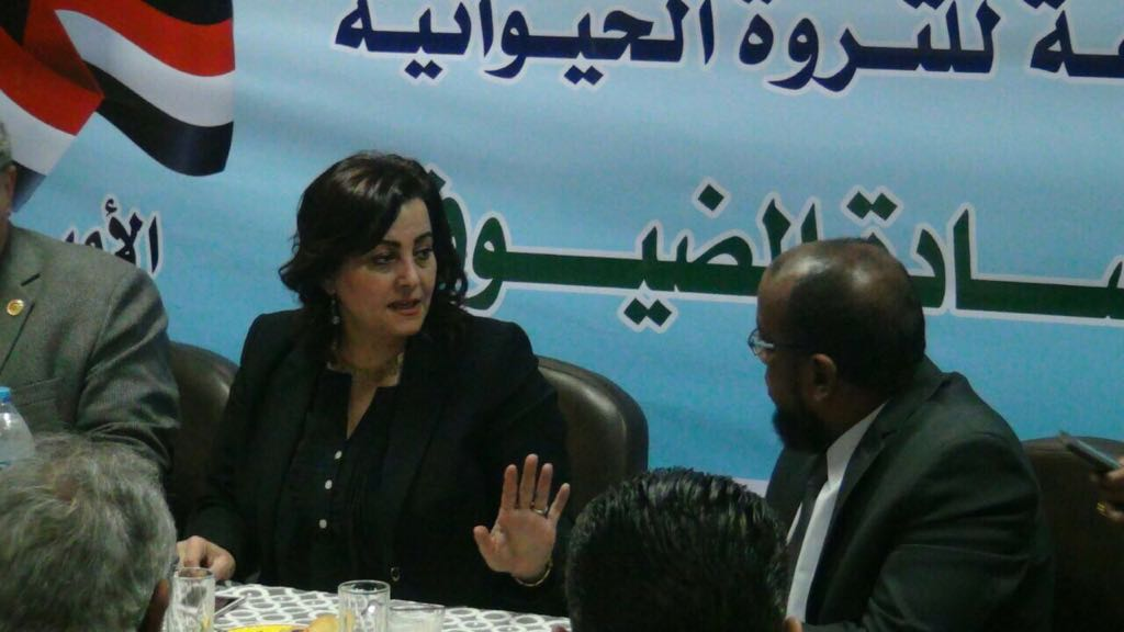 نائب وزير الزراعة فى زيارة لأسوان  (1)