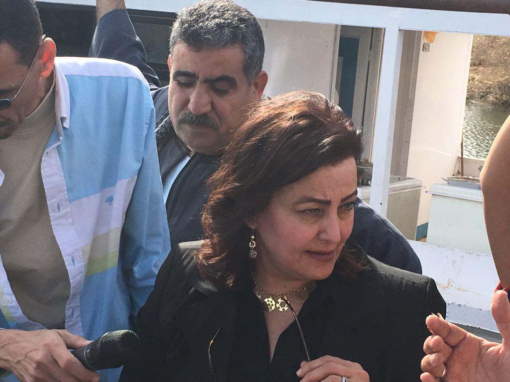 نائب وزير الزراعة فى زيارة لأسوان  (4)