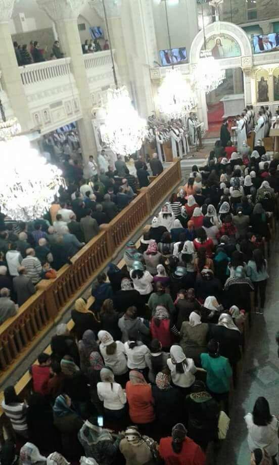 المئات يحضرون أول قداس بكنيسة مارجرجس  (2)