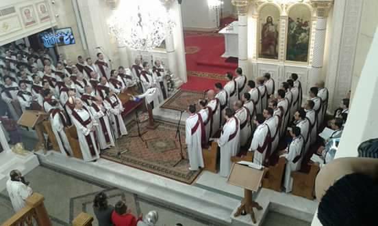 المئات يحضرون أول قداس بكنيسة مارجرجس  (3)