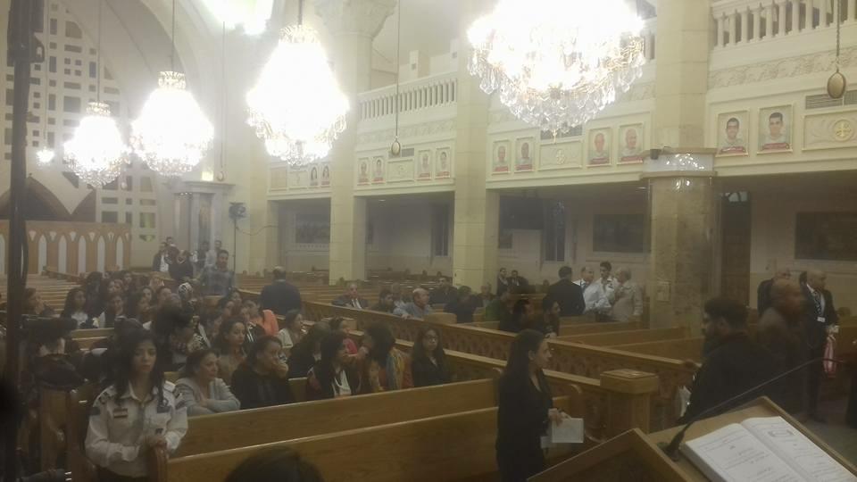المئات يحضرون أول قداس بكنيسة مارجرجس  (1)