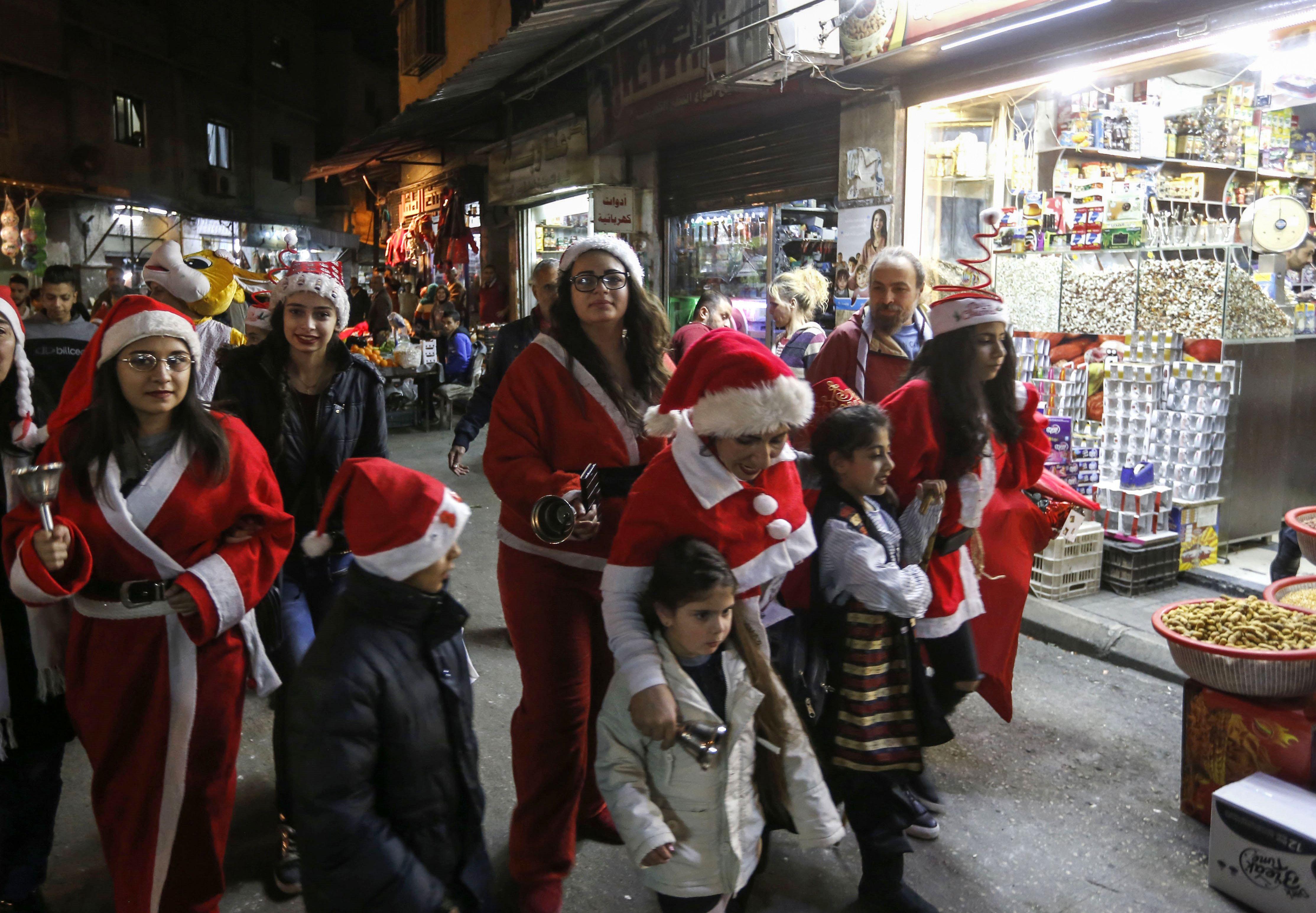 الاحتفالات فى شوارع دمشق