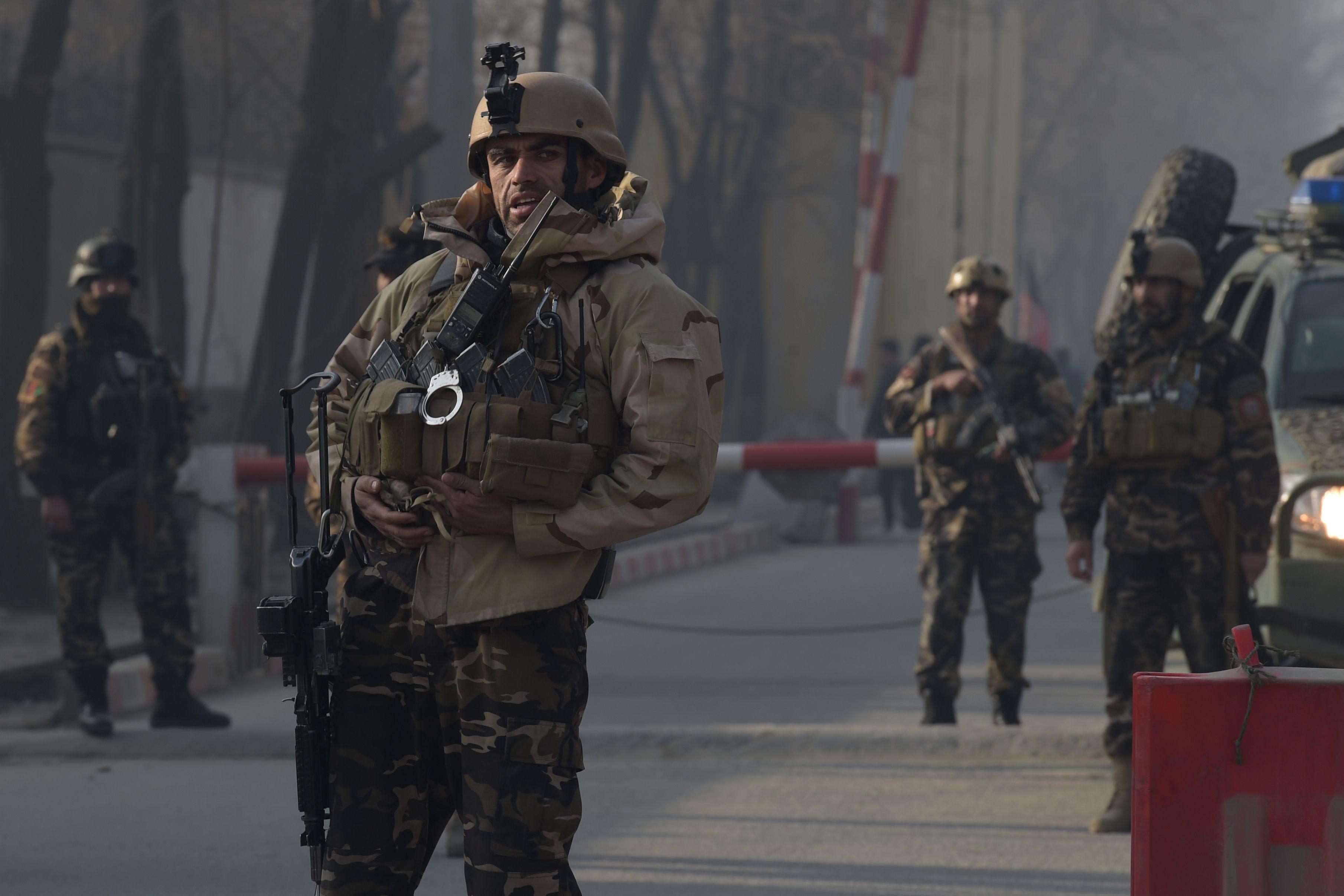 انتشار قوات الأمن الأفغانى بمحيط الانفجار