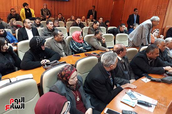 الحضور باجتماع وزير الصحة فى بورسعيد