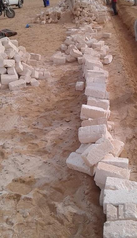 بعد الشروع فى إنشاء الأسوار هدمتها حملات الإزالة