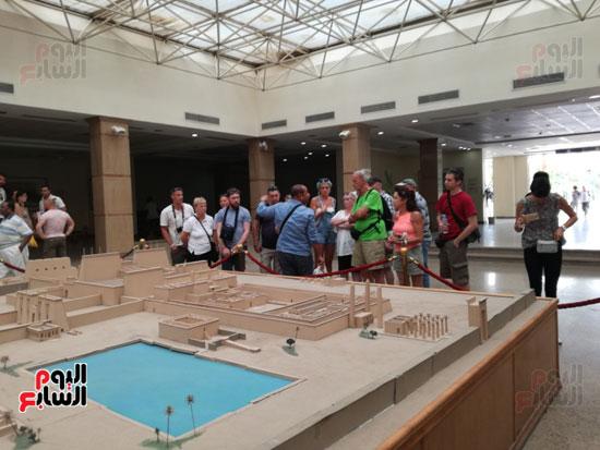 زيارات السياح المميزة للمعالم الفرعونية بمصر