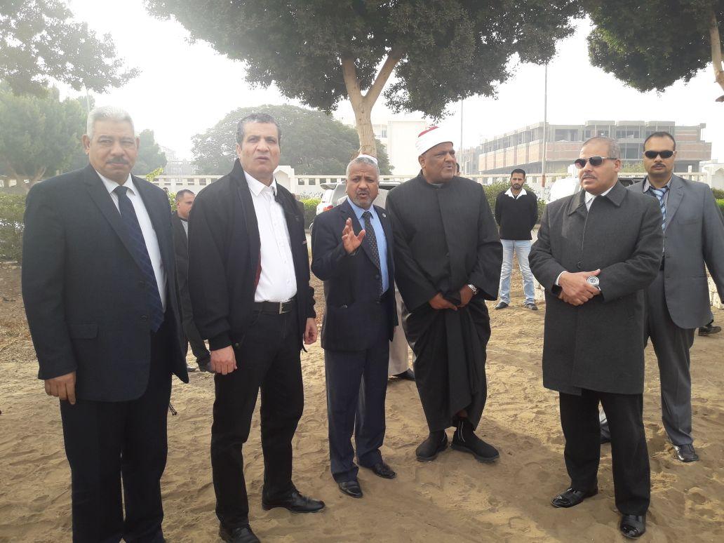 شومان والمحرصاوى يتفقدان فرع جامعة الأزهر بأسيوط (2)