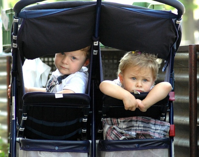 عربات الأطفال