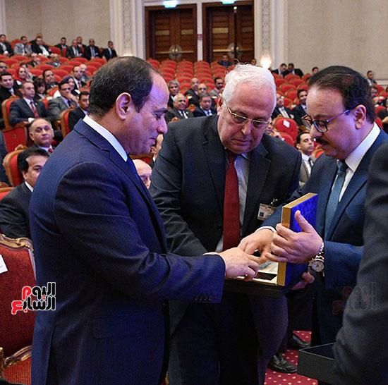 صور الرئيس عبد الفتاح السيسى (8)