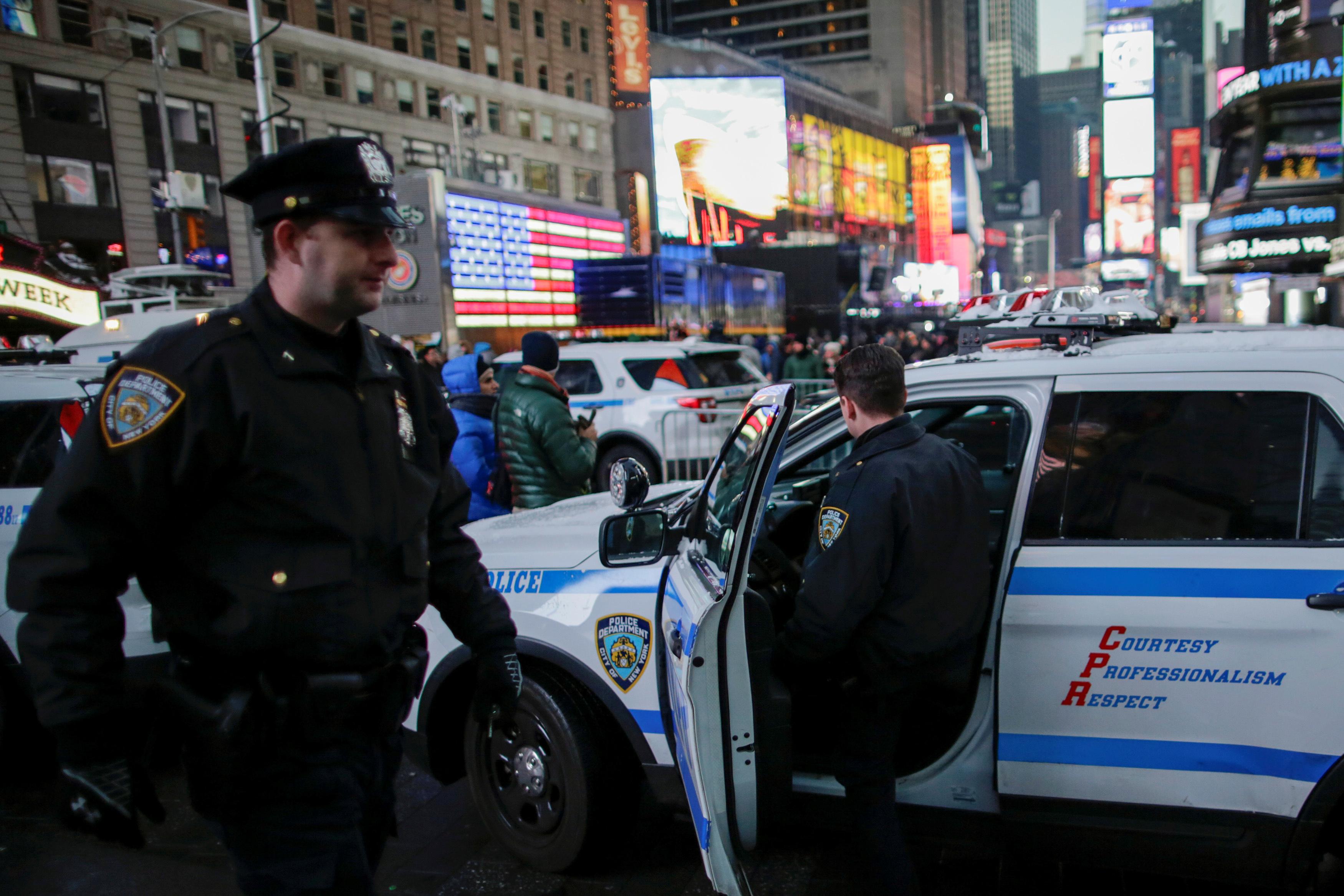 تشديدات أمنية فى نيويورك لاستقبال العالم الجديد