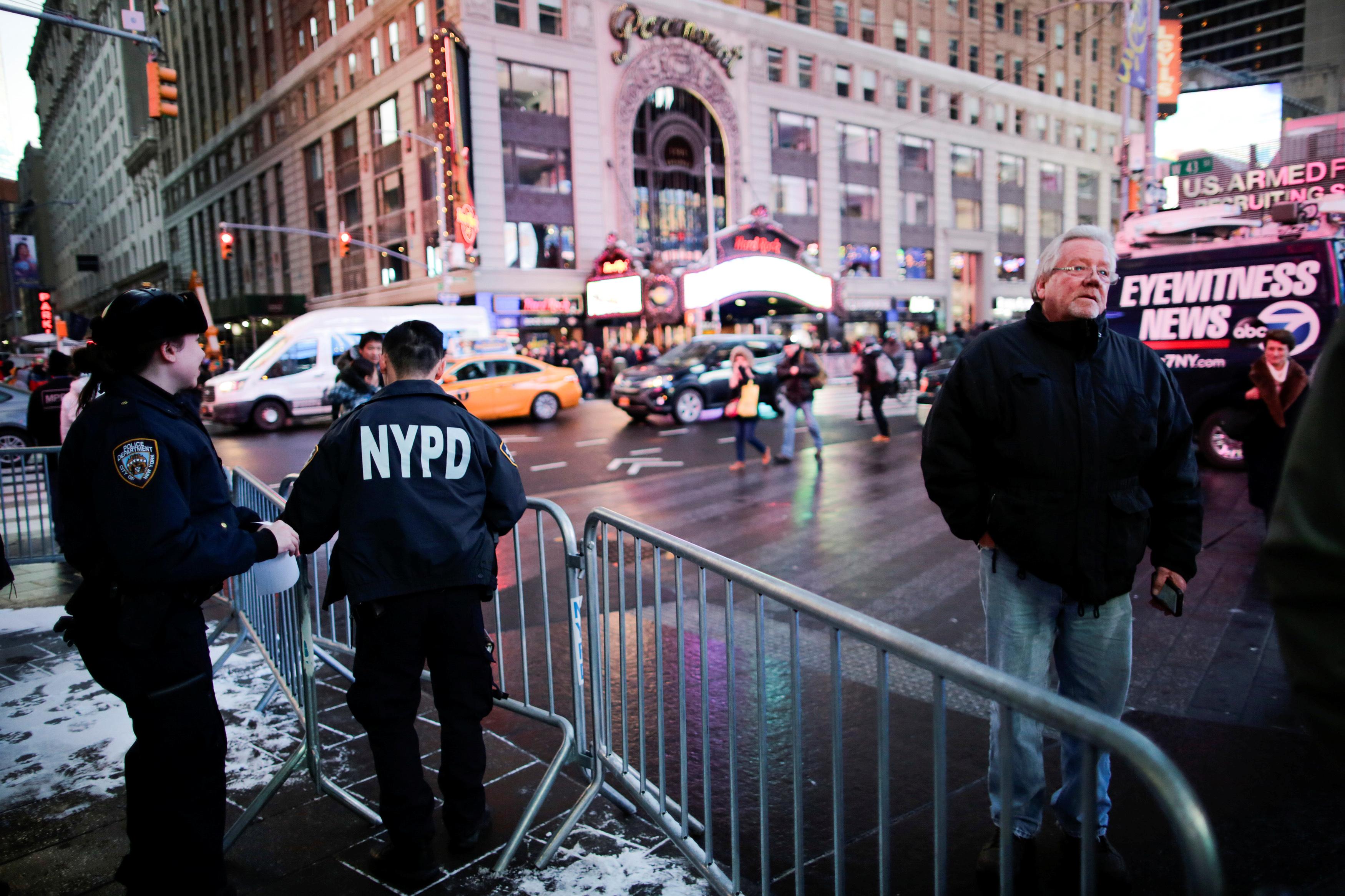الشرطة الأمريكية تستعد لتأمين احتفالات العام الجديد