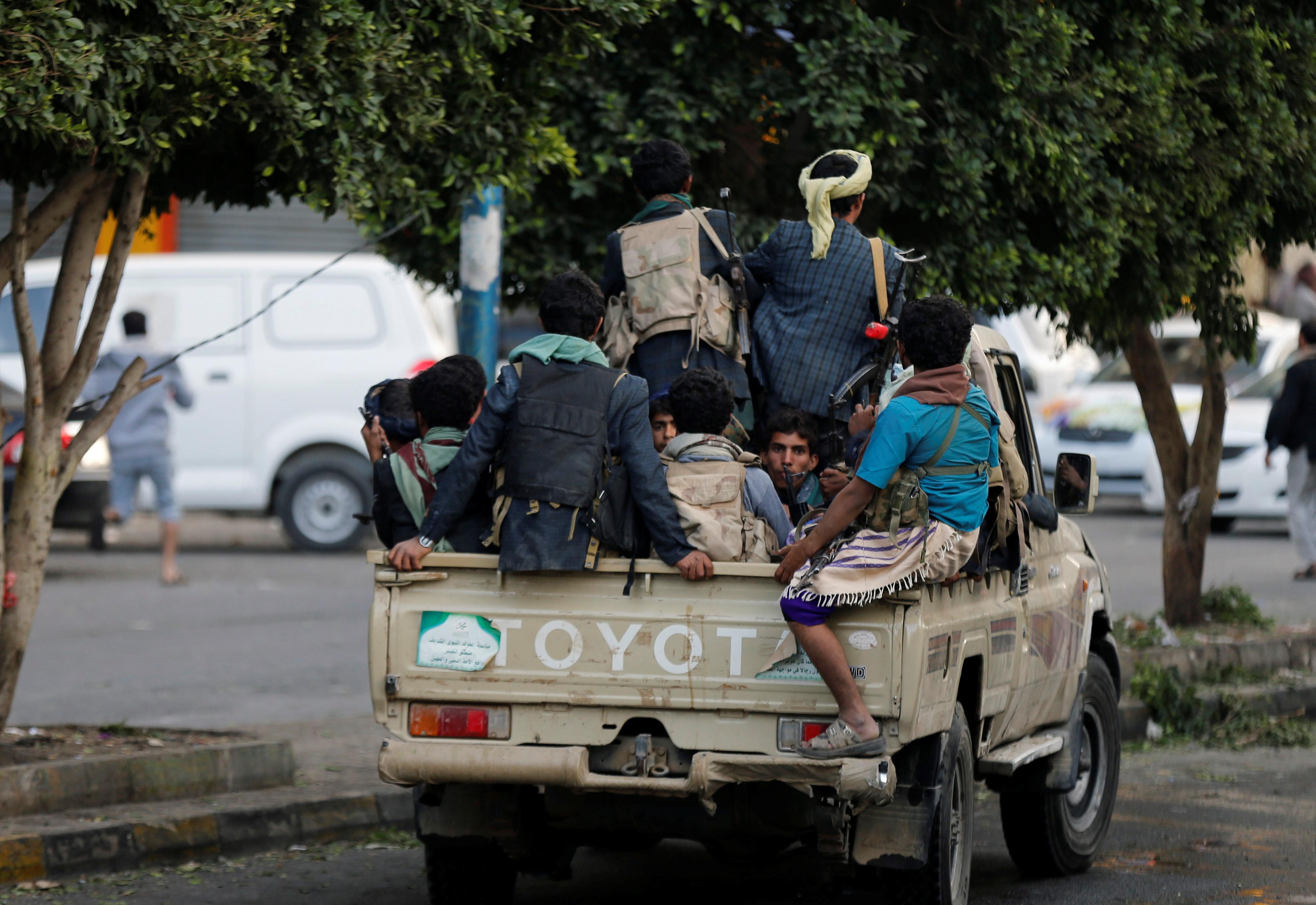 تواجد ميليشيات الحوثيين فى شوارع صنعاء