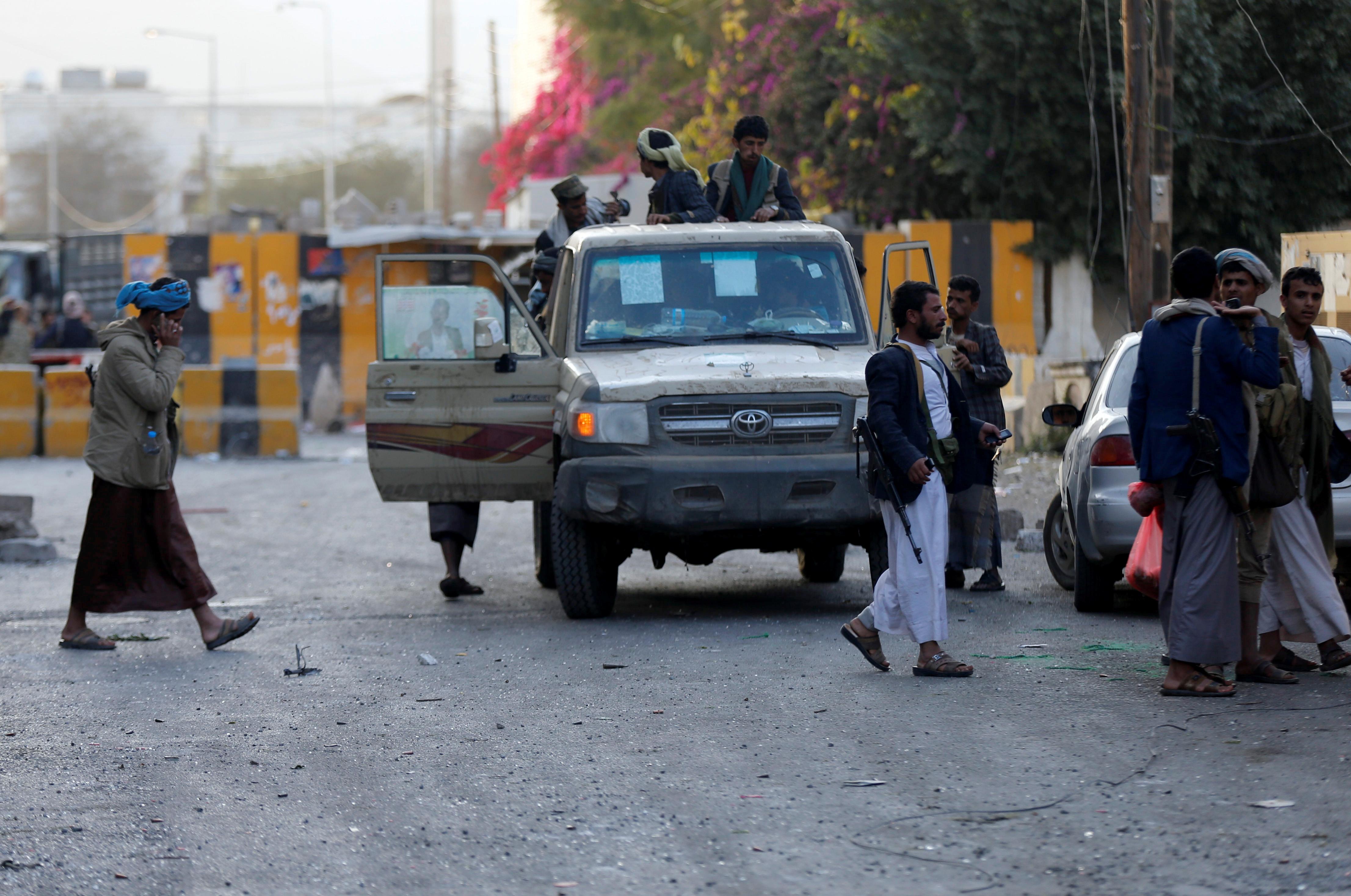سيارات الحوثيين فى صنعاء
