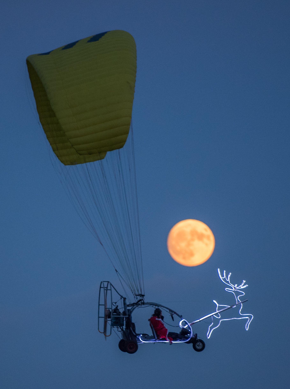 القمر العملاق فى سماء ألمانيا