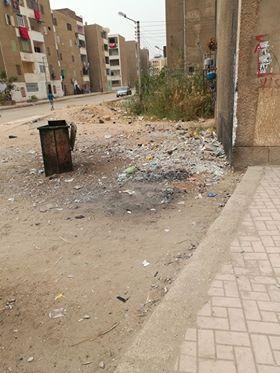 القاء القمامة بمحيط المساكن رغم وجود صناديق مخصصة لهذا الغرض