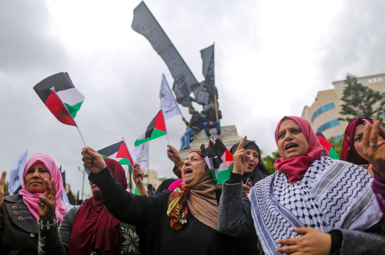 نساء مشاركات فى التظاهرات