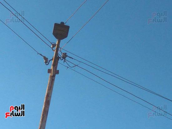 كشف الكهرباء بدون لمبة