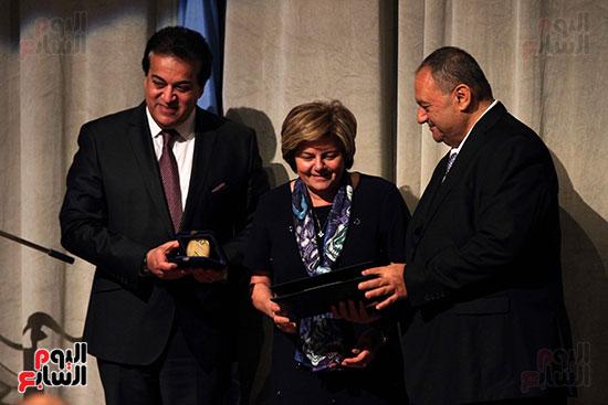 اليونسكو تكرم عددا من الوزراء والعاملين  (9)