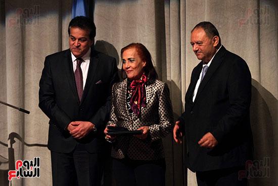 اليونسكو تكرم عددا من الوزراء والعاملين  (6)