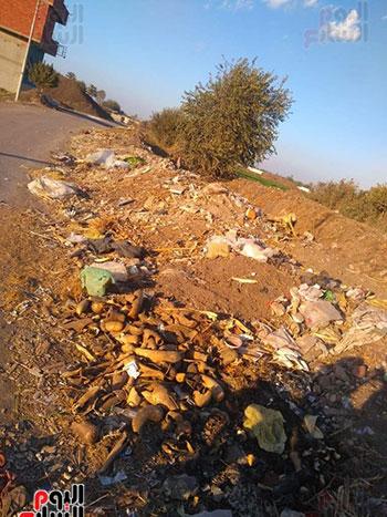 القمامة أغلق الطريق