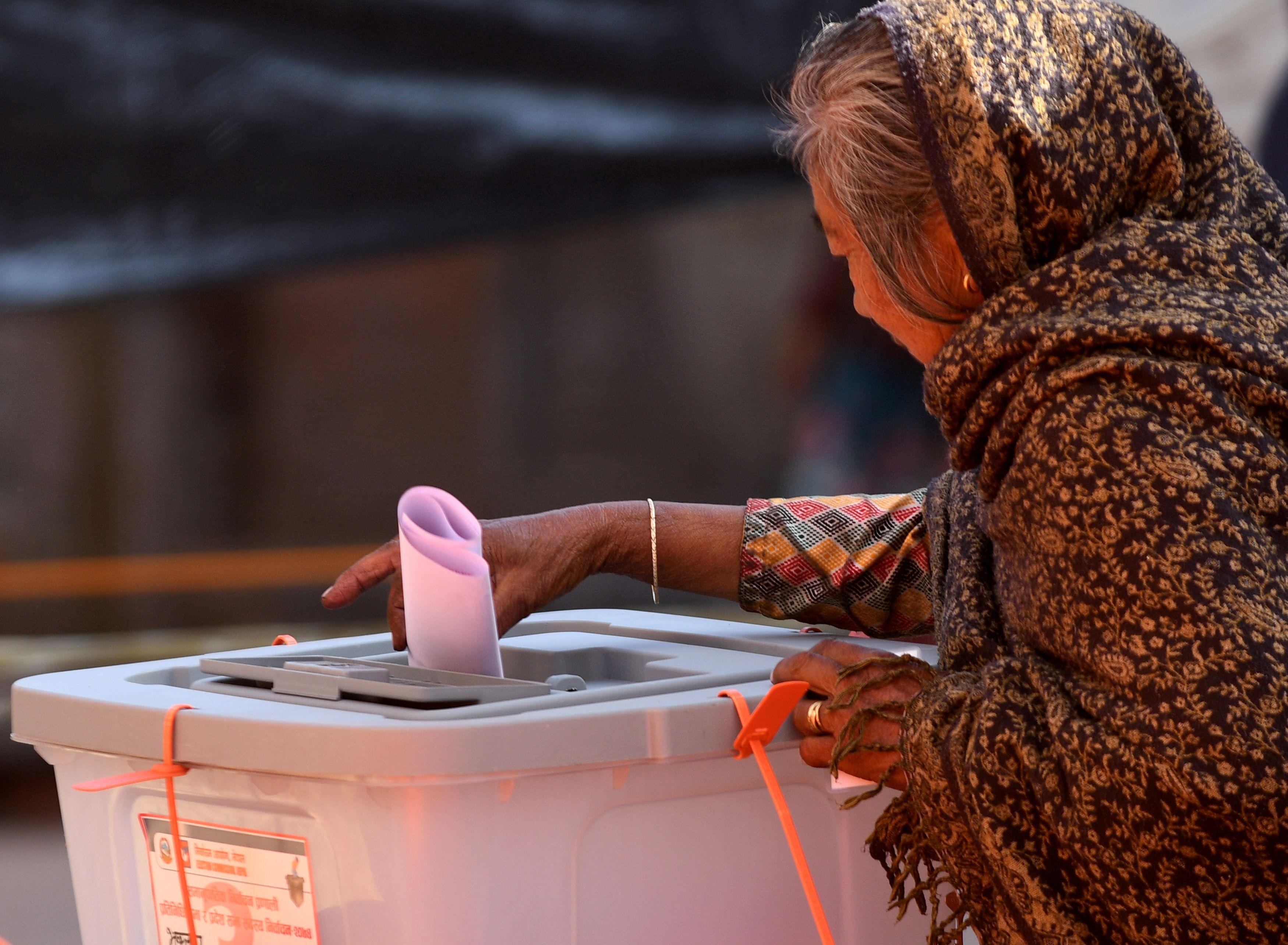 بدء الاقتراع فى نيبال