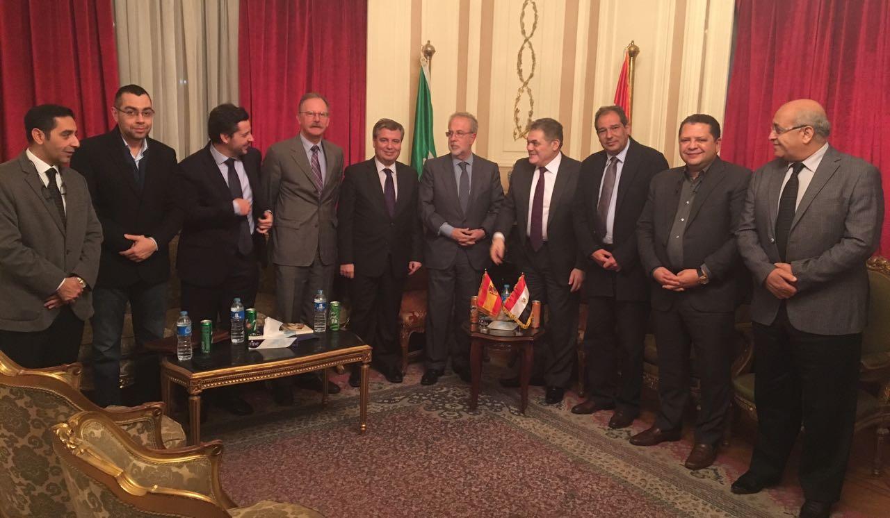السيد البدوى يبحث مع سفير إسبانيا (2)