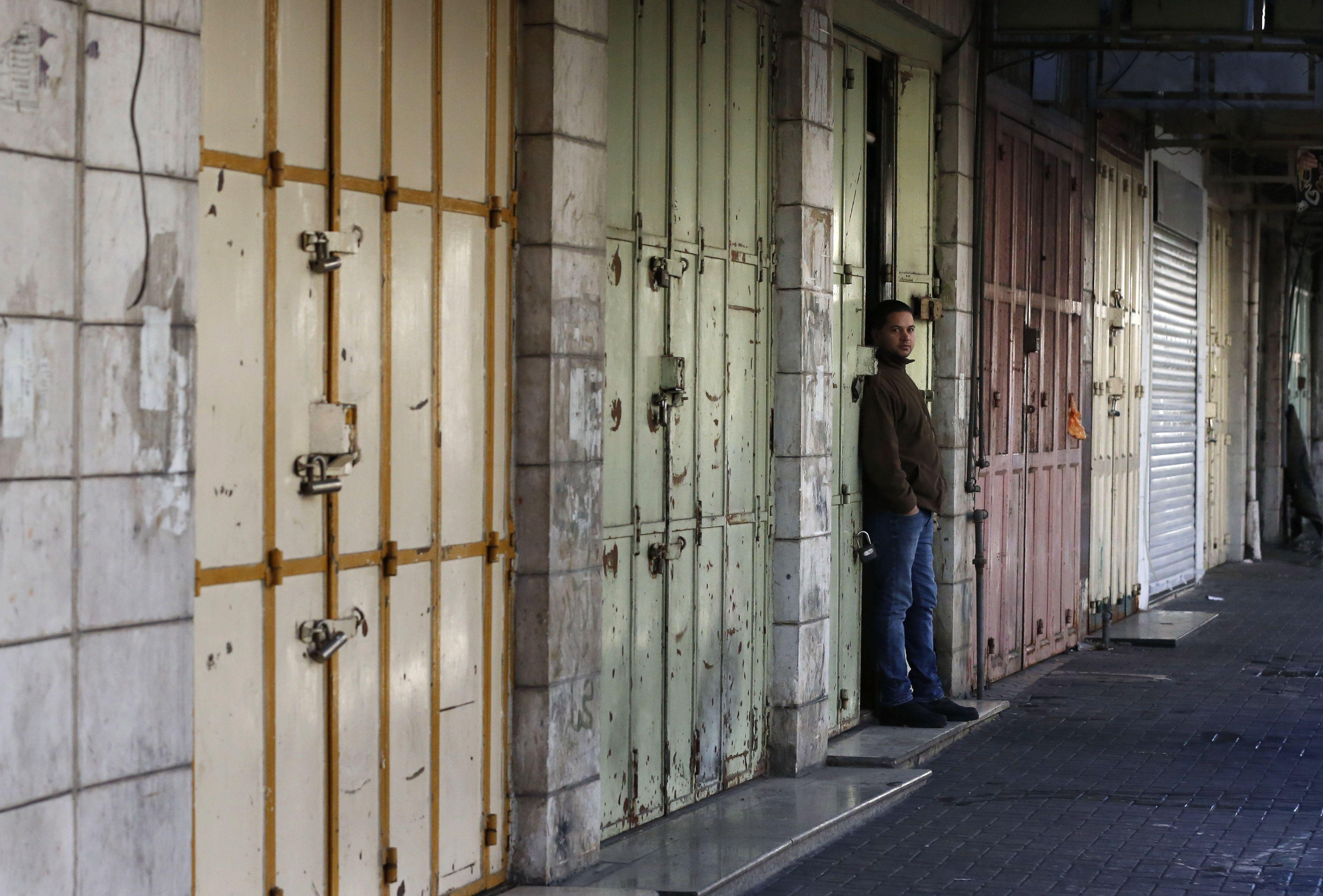 المحال التجارية تغلق ابوابها فى القدس استجابة للاضراب العام
