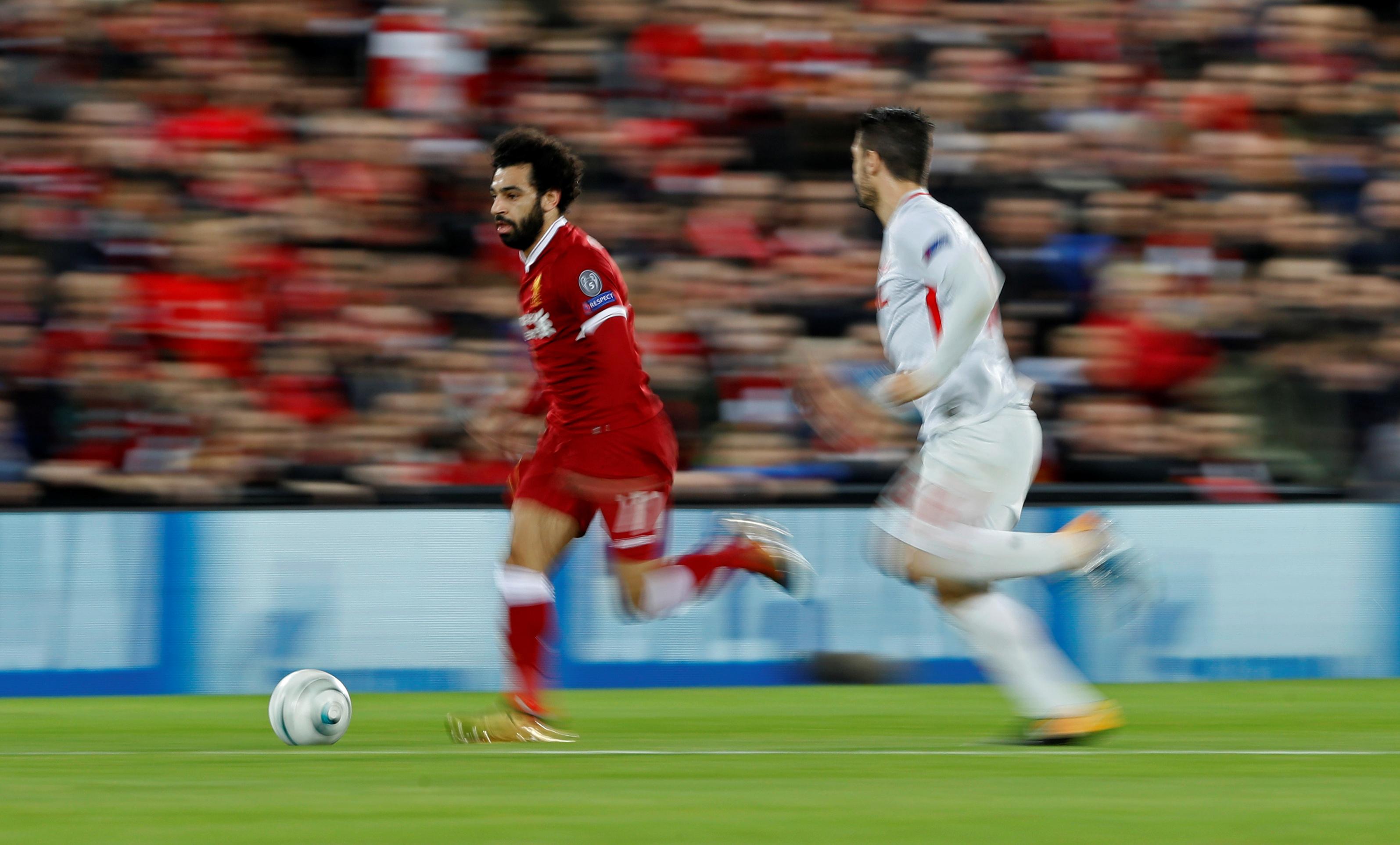 محمد صلاح يتألق ويسجل فى مباراة ليفربول وسبارتاك موسكو  (6)