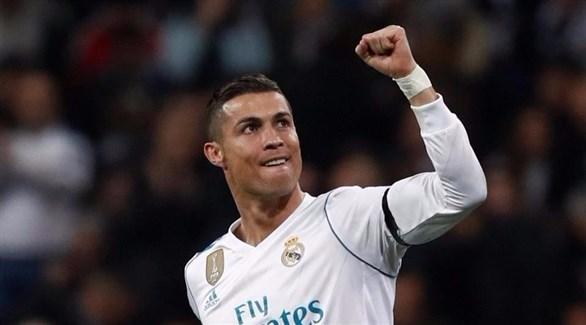 ميسي ينافس رونالدو على الفوز بجائزة الكرة الذهبية