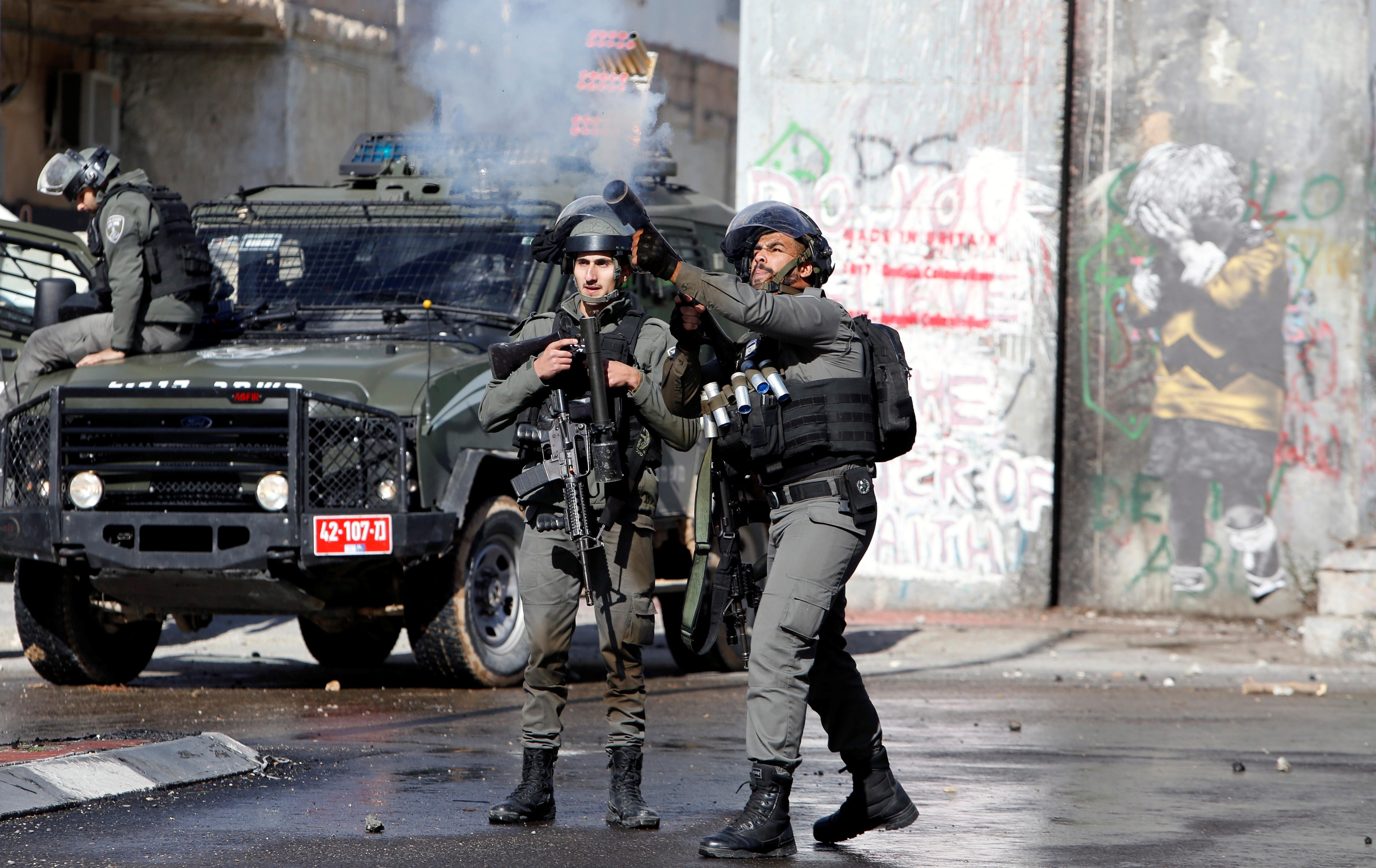 اشتباكات بين الشبان الفلسطينى وجنود الاحتلال
