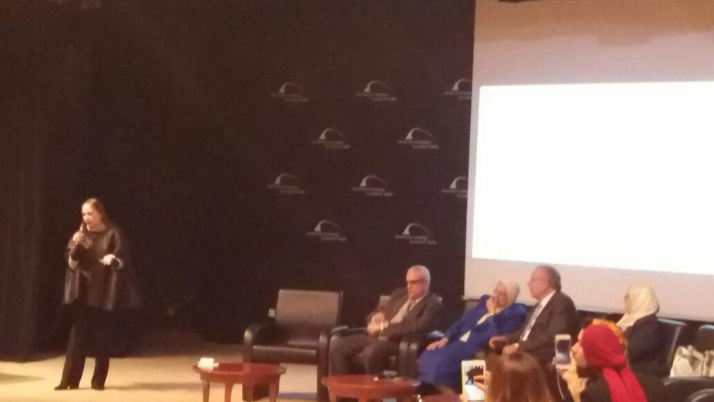 الفنانة شيرين فى مؤتمر التعوية بمرض السرك بطب الإسكندرية