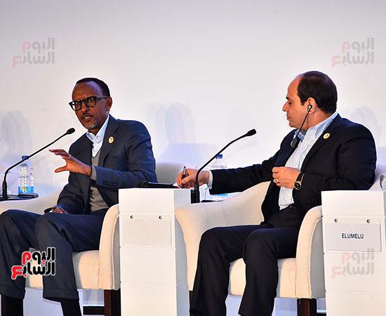 صور  السيسى فى جلسة تعزيز ريادة الأعمال بأفريقيا (3)