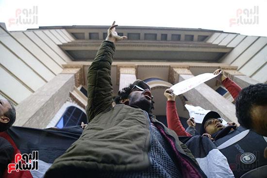 صور الصحفيون يحرقون علم إسرائيل خلال وقفة احتجاجية (22)