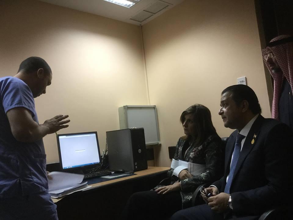 جانب من زيارة ويرة الهجرة للمواطن المصرى بالكويت  (2)