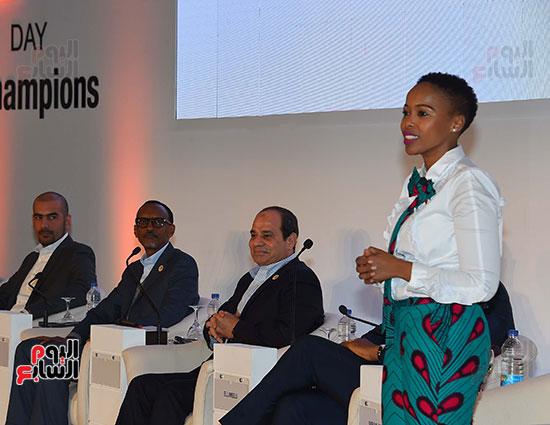 صور  السيسى فى جلسة تعزيز ريادة الأعمال بأفريقيا (4)
